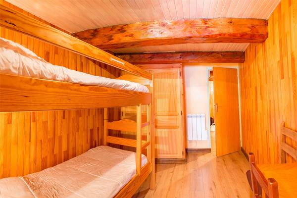 Chambre Double de l'appartement de l'Ubac à Ceillac, au chalet Lou Sarret